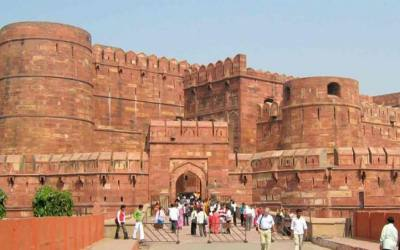 Delhi, Agra and Vanarasi Tour