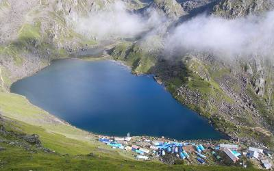 Langtang Valley and Gosainkund Lake (4260m)