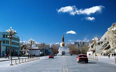 Lhasa and Everest Tour
