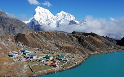 Trek to Gokyo Lake /Tengboche Monastery